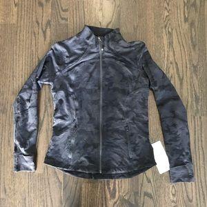 NEW! Lululemon black camo print Forme Jacket Sz 12